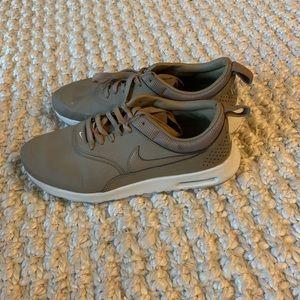 Nike AirMax Thea 7.5